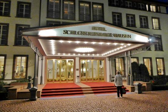 hotelansicht bild von hotel schloss reinhartshausen eltville am rhein tripadvisor. Black Bedroom Furniture Sets. Home Design Ideas