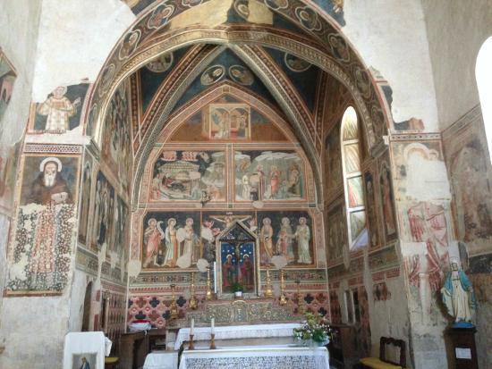 Vallo di Nera, Italien: Interno