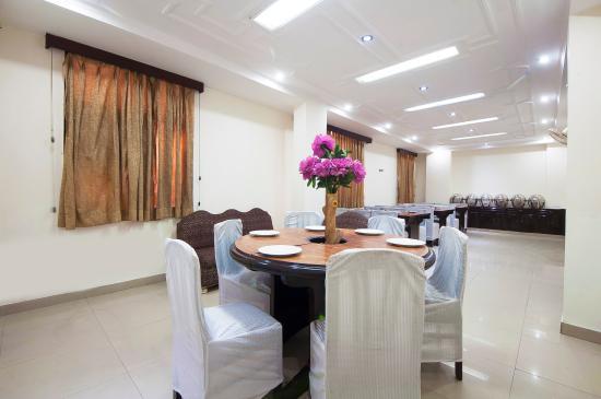 Hotel Delhi Darbar: Restaurant