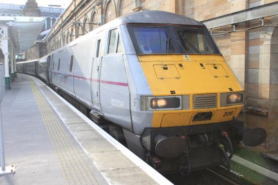 Edinburgh Waverley Train Station
