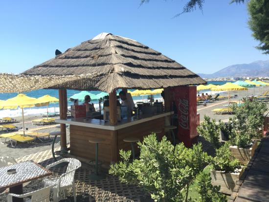Tylissos Beach Hotel: Enjoy your coffee, beer or ice-scream!!!