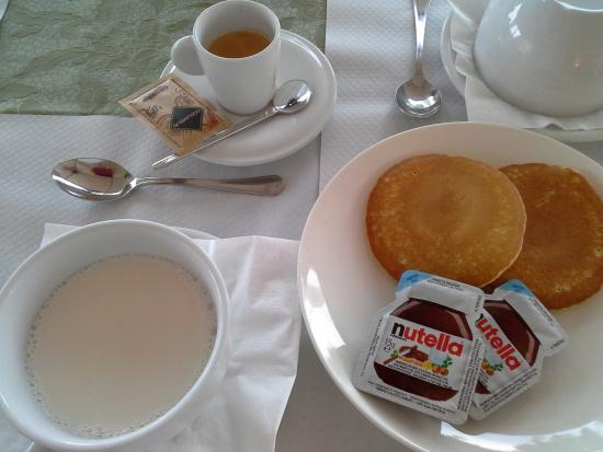 Le Colombaie Country Resort: colazione relax...