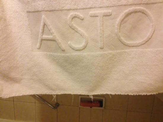 Aston Rasuna: not to clean towel and torn on the edge