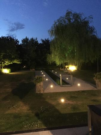 Le beau jardin photo de hostellerie saint nicolas ypres for Le beau jardin restaurant