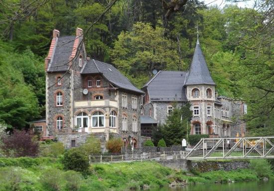 Treseburg, Γερμανία: Lokal (Burg) von dem Bodeufer