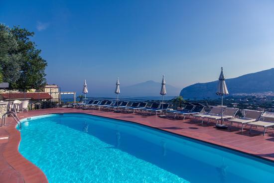 Hotel Cristina: piscina