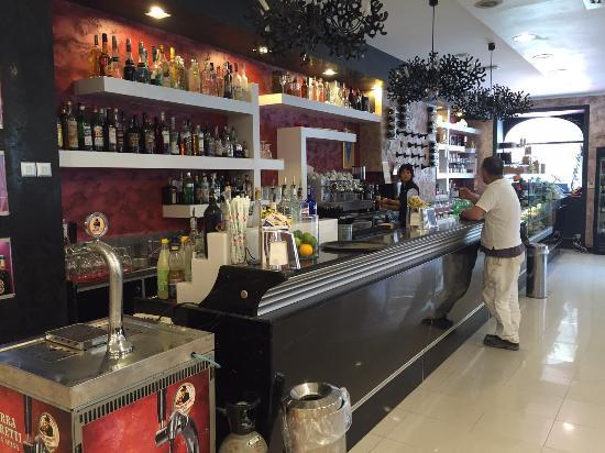 Nero Caffé Bar - Picture of Nero Caffe Bar, L'Aquila ...