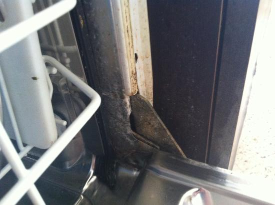 Hotel Club Barbarossa: Dishwasher door
