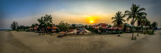 Sirarun Resort: Resort panoramic view
