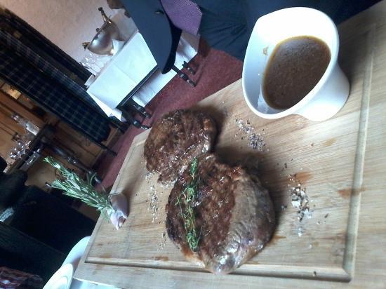 Kohlerstube: Präsentation der Steaks
