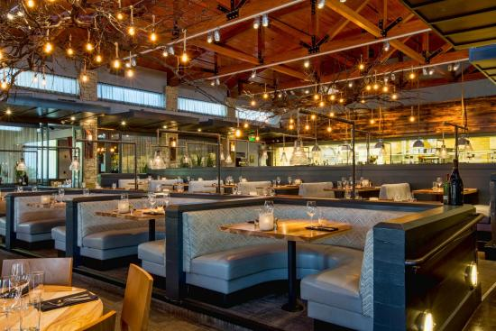 Ray's at Killer Creek: View of the dining room