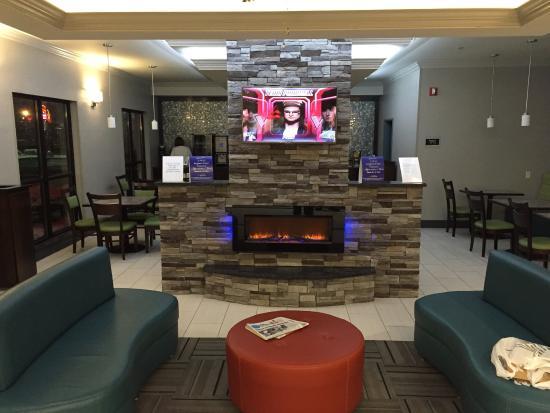 BEST WESTERN Inn & Suites: photo1.jpg