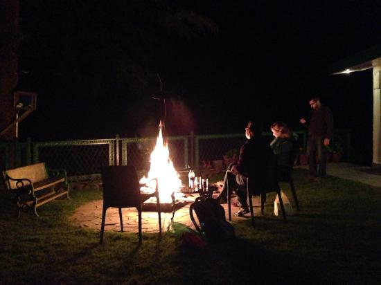 Ivy Bank Guest House: Bon Fire in Chilling night