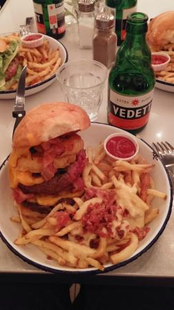 Paris New York: Burger Double Double avec Extras fromage et poitrine fumée