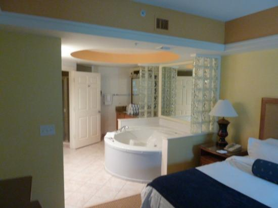 Chambre parentale avec jacuzzi - Photo de Marriott\'s Cypress Harbour ...
