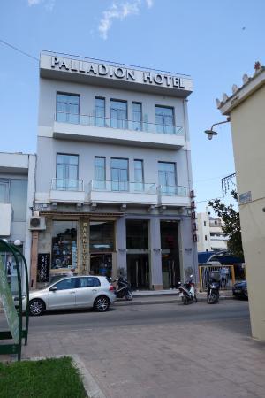 Palladion Hotel: חזית המלון