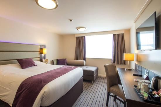 Premier Inn London Kingston Upon Thames Hotel