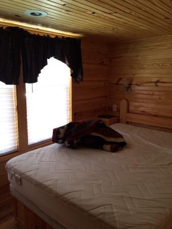 Yogi Bear's Jellystone Park Camp-Resort  Hagerstown: Ranger smith.. Premium loft cabin