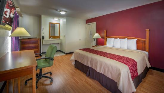Photo of Parkway Inn & Suites Midtown Atlanta