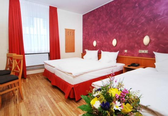 Hotel Ludwig: Dreibettzimmer