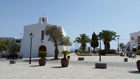 Iglesia Es Cubells: -