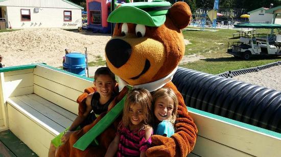 Jellystone Park of Fort Atkinson: Hay Ride with Yogi