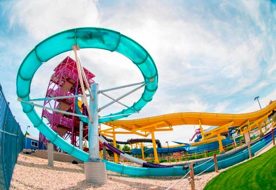 Roaring Springs Waterpark: Corkscrew Cavern