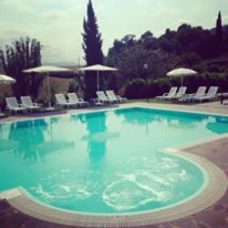 La piscina foto di locanda la cavallina brisighella tripadvisor - Piscina comunale ravenna prezzi ...