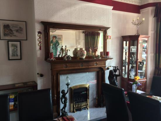 Lindsay Guest House: dining room