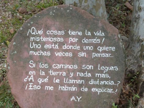 Cerro Colorado, Argentyna: Palabras de don Ata en la piedra