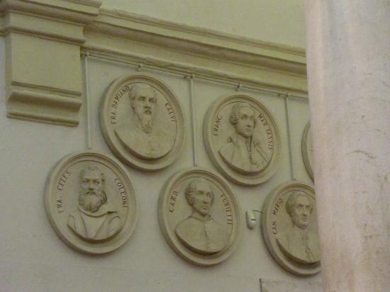 Civica Biblioteca Angelo Mai