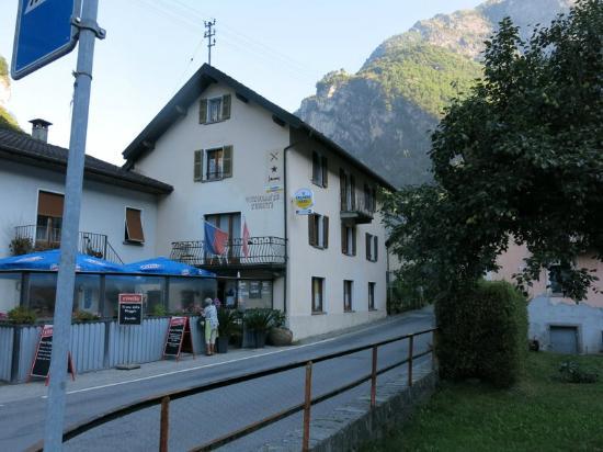 Hotel Turisti: view of hotel