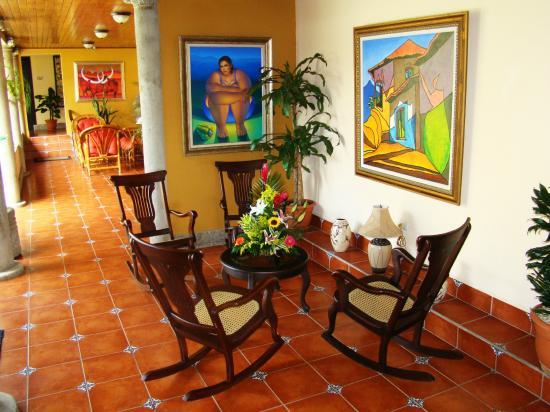 Hotel Colonnade: Corridor