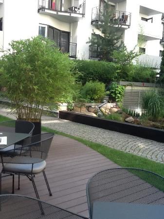 i31 Hotel: Courtyard area.