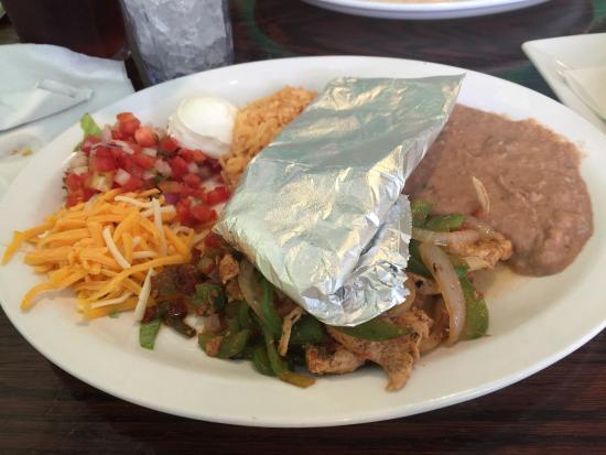 La Cabana Restaurant: Chicken fajitas
