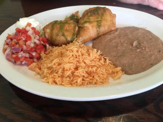 La Cabana Restaurant : Chicken Chimichanga