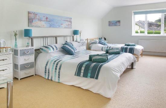 Elysian Fields: Family room