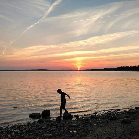 Brooklin, Мэн: Gorgeous sunset on the beach...