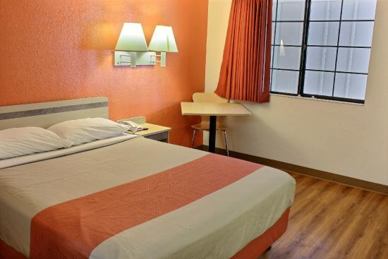 Motel 6 Coalinga East: Guest Room