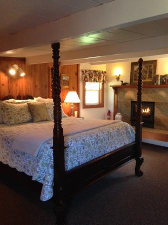 Cleone Gardens Inn: The MacKerricher Room