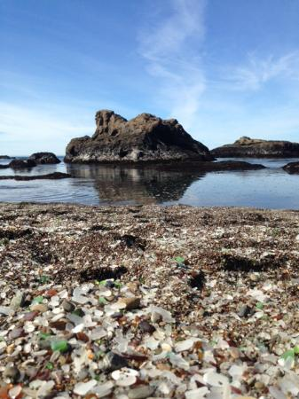 Cleone Gardens Inn: Glass Beach