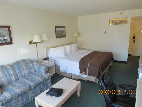 Travelodge Calgary South: Room