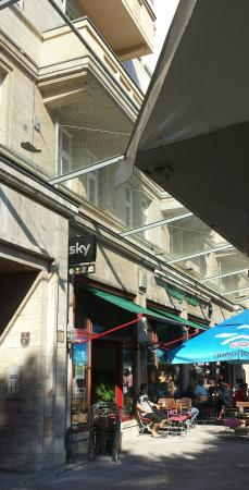 Country Cheers Sky Sportsbar