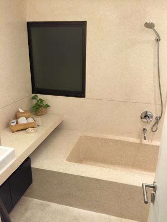 ทวมรีสอร์ท บาหลี: Broken Bathroom