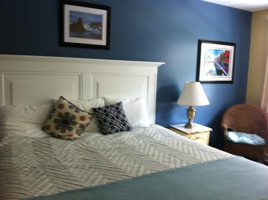 Rockport, ME : king room