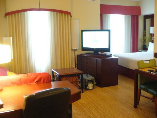 Residence Inn Port St. Lucie: Room 215 from door