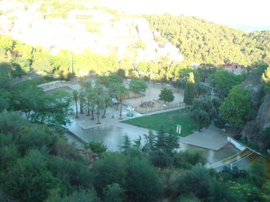 Piscina picture of parque de la creueta del coll for Piscina creueta del coll