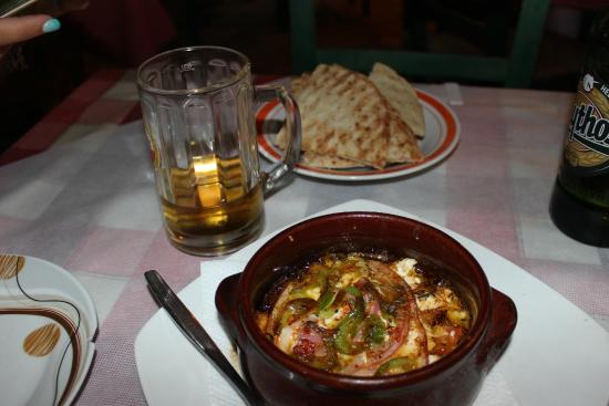 Tsikos Grill House: grilled feta