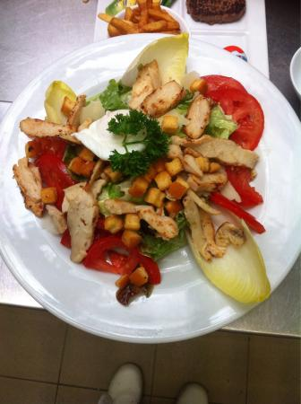 Café de la Basilique : Salade César, carpaccio et melon jambon