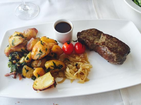 Gutsschanke Schloss Johannisberg: Great location taste food